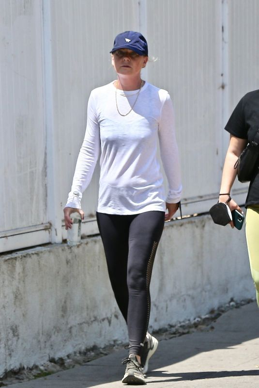 Ellen Pompeo Ends the week strong with a hike alongside a friend at Griffith Park in Los Feliz