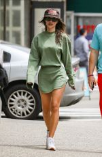 Emily Ratajkowski Displays her legs as she strolls through the Big Apple with her man in New York