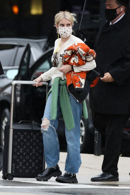 Emma Roberts Arrived in Boston with lots of luggage, Boston