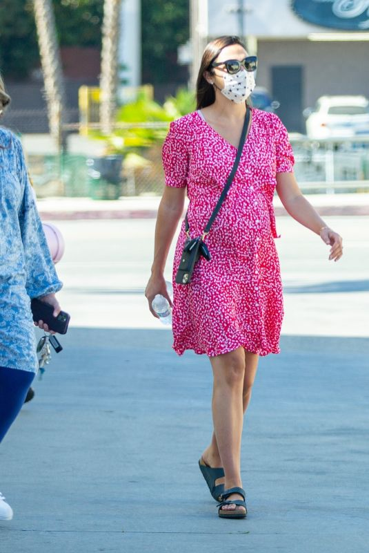 Gal Gadot Gets all dressed up to attend her daughter Maya
