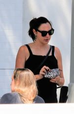 Gal Gadot Having lunch with friends in Los Angeles