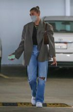 Hailey Baldwin / Bieber Pictured arriving at a business building ahead of a meeting in Beverly Hills