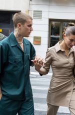 Hailey Bieber (Baldwin) Arrives at Maison du Caviar for a meal while vacationing in Paris