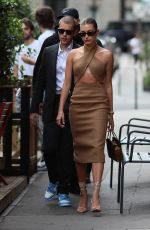 Hailey Bieber (Baldwin) Have a romantic dinner at the Dinand by Ferdi restaurant after being received at the Elysee Palace in Paris