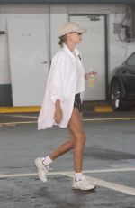 Hailey Bieber Heading to a medical office building in Beverly Hills