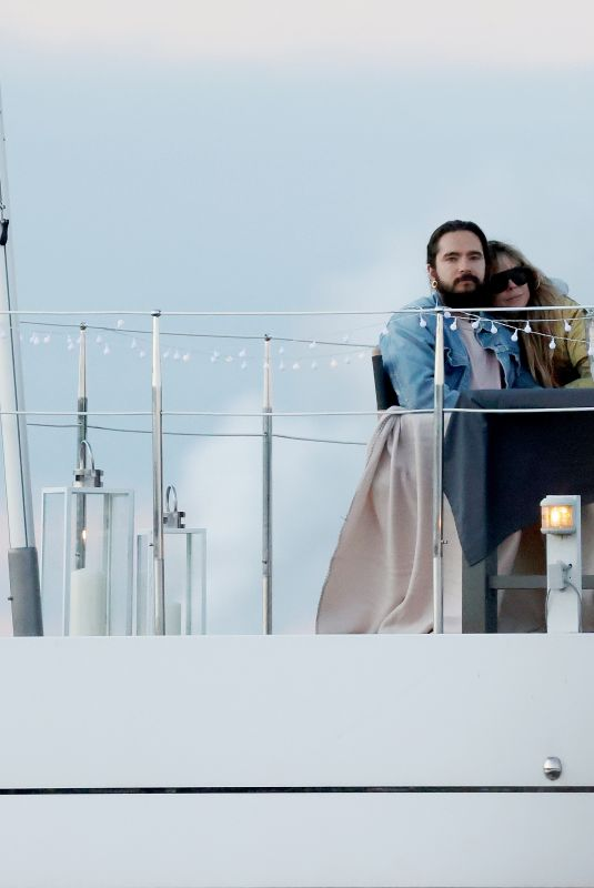 Heidi Klum and Tom Kaulitz were spotted on a romantic boat house date on Lake Wannsee in Berlin