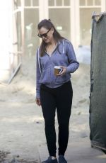 Jennifer Garner Enjoys a morning coffee as she visits her new under-construction home in Brentwood