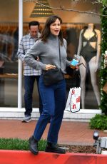 Jennifer Garner Gets some girl time before the weekend in Pacific Palisades