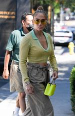 Jennifer Lopez Heading to lunch at San Vicente Bungalows in West Hollywood