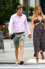 Kelly Bensimon and on-again BF Nick Stefanov take a stroll with Kelly