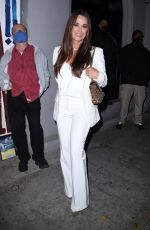 Kyle Richards Is all smiles as she grabs dinner with the whole family at Craigs in West Hollywood
