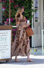 Laura Dern Out to lunch at The Ivy in Santa Monica