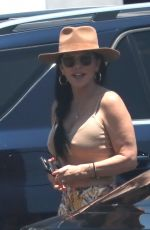Lauren Sanchez Seen wearing a huge diamond ring on the engagement ring finger in Los Angeles