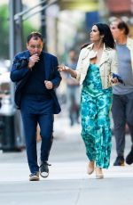 Padma Lakshmi Heads out to dinner with a mystery man in New York