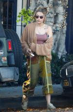Paris Jackson Puts a little Blonde back into her hair for the Summer