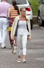 Sarah Jessica Parker Photographed going to have dinner in South Hamptons