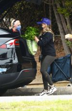 Sarah Michelle Geller Out shopping in Los Angeles
