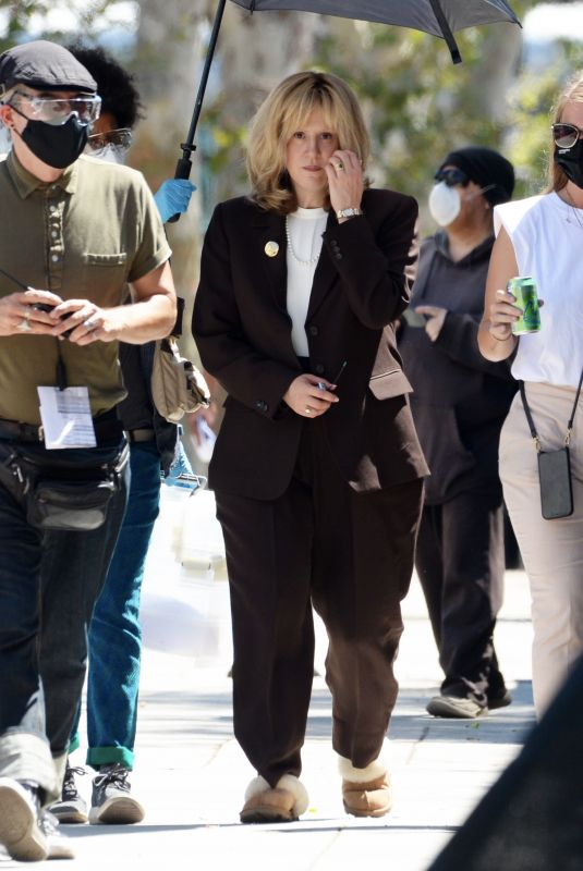 """Sarah Paulson Unrecognizable on the set of """"American Crime Story"""