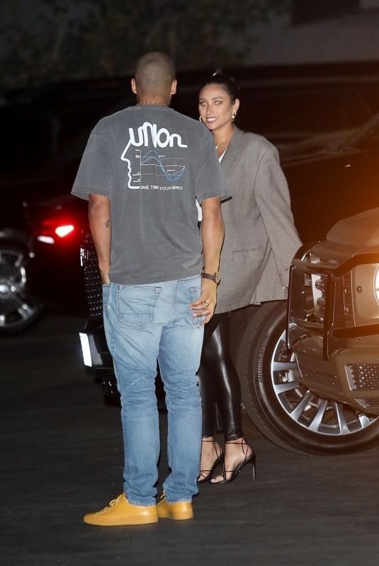 Shay Mitchell Arrives at Zack Bia