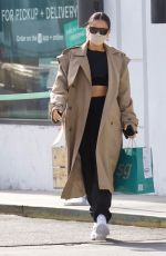 Shay Mitchell Flashes her toned abs as she stops at Sweet Green for a salad in Hollywood