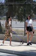 Tallulah & Scout Willis Go for a walk to get coffee in Los Angeles