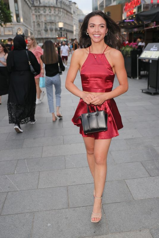 Vanessa Bauer Arrives for Premiere of The Hitman