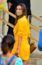 Alessandra Ambrosio Enjoys lunch at a fancy eatery in Sao Paulo