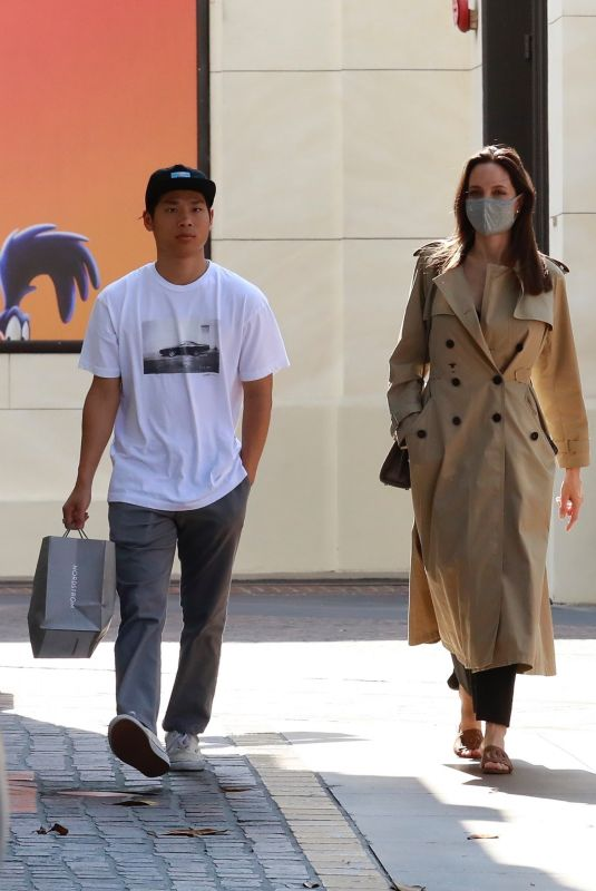 Angelina Jolie Out shopping with her kids at the Grove in Los Angeles