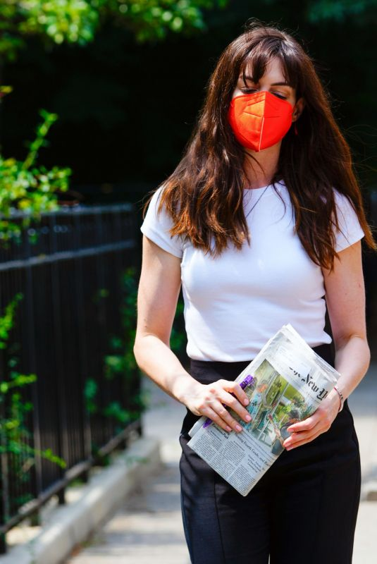 Anne Hathaway Out getting a paper in New York