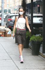 Bella Hadid And new boyfriend Marc Kalman have lunch at Walkers in Tribeca, New York