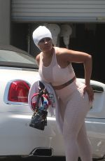 Blac Chyna Walks to her car after working out