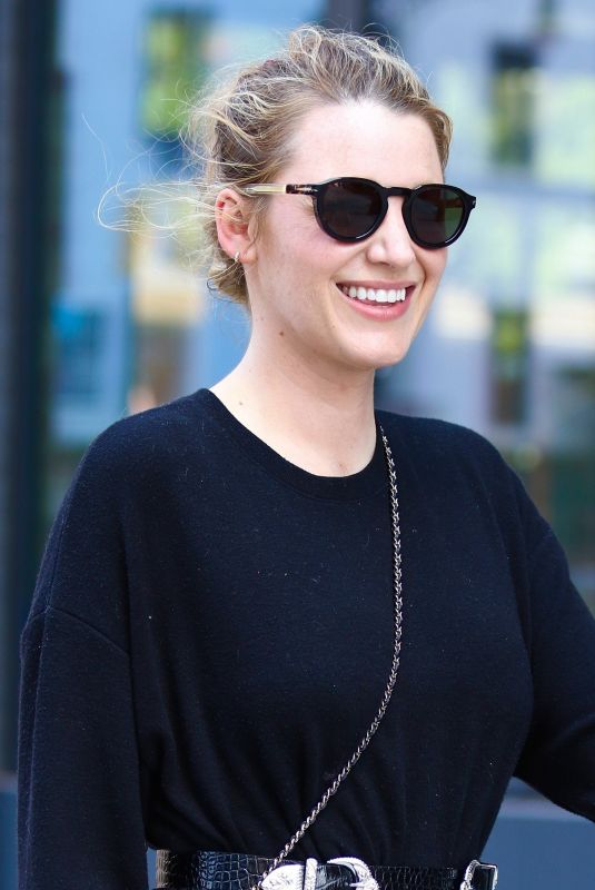 Blake Lively While looking stylish during a walk around Manhattan's Downtown area