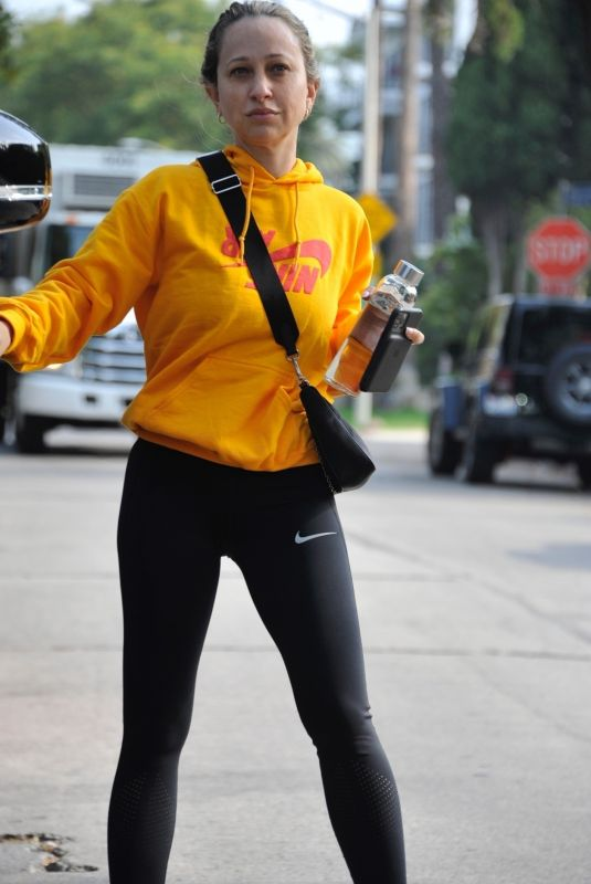 Jennifer Meyer Is spotted leaving the gym after a Sunday morning workout session in Los Angeles