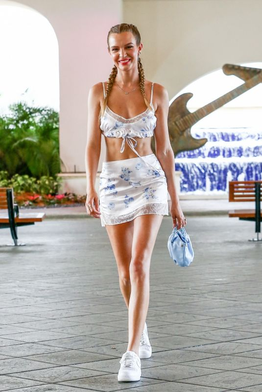 Josephine Skriver Shows off her amazing body while heading to her hotel in Miami