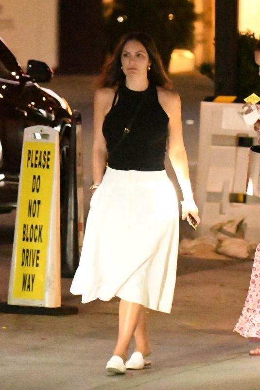 Katharine McPhee Have dinner with friends at Mr. Chow in Beverly Hills