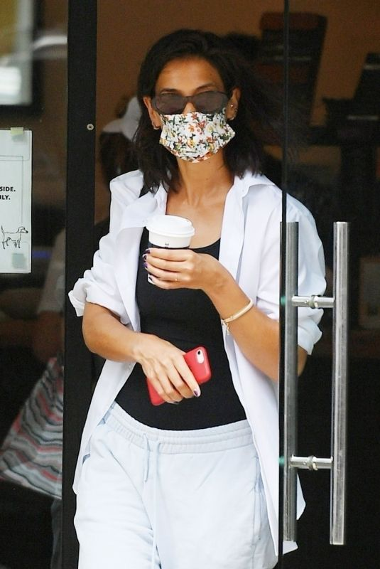 Katie Holmes Is a casual babe in sweatpants as she grabs some La Colombe coffee in SoHo
