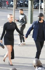 """Katy Perry Heads to the """"La Girafe"""" Restaurant in Paris"""