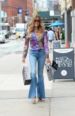 Kelly Bensimon Spotted shopping for presents at Showfields for her daughter Teddy