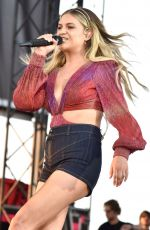 Kelsea Ballerini At 2021 Watershed music festival at Gorge Amphitheatre