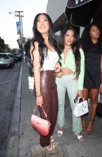 Kimora Lee Simmons Has dinner with her daughters at Catch LA in West Hollywood