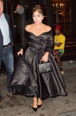 Lady Gaga Grabs a pizza while dressed up in New York