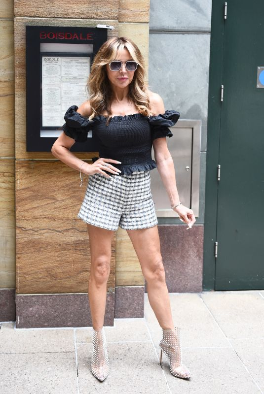 Lizzie Cundy Looks stylish as she arrives at the Boisdale Life Editors