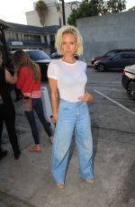 Nicky Whelan Poses for photographers as she leaves Craig