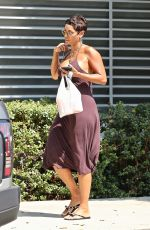 Nicole Murphy Gets fresh fruit to-go while out and about in West Hollywood