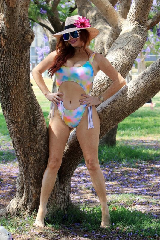 Phoebe Price Poses in tie-dye bikini at the park on Monday in Los Angeles