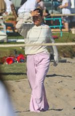 Sofia Richie Celebrates her 4th of July with her boyfriend on the beach with friends in Malibu