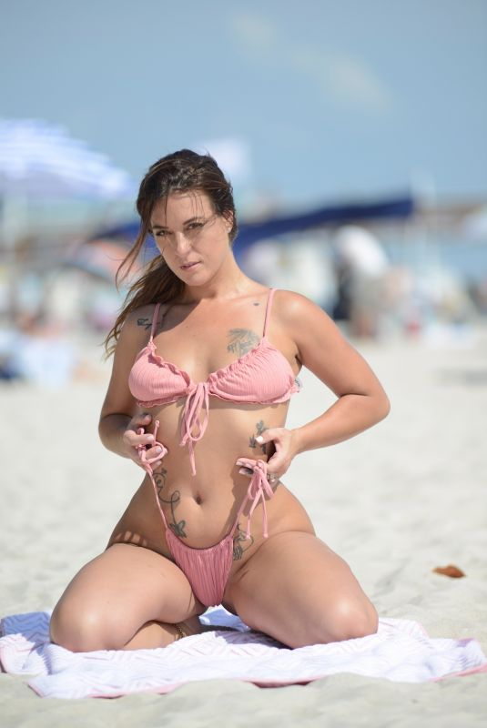 Victoria Banxxx Heats up the beach in Fort Lauderdale