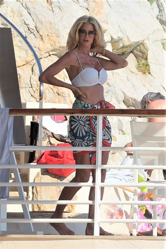 Victoria Silvstedt Seen enjoying the sun at the Eden Roc in Antibes, France