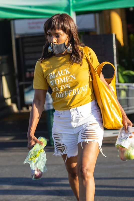 Angela Bassett Seen shopping at Whole Foods in Los Angeles