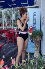 Blanca Blanco Enjoys another vacation day with friends while exploring the sights in Sicily